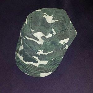 Accessories - Camo Hat!